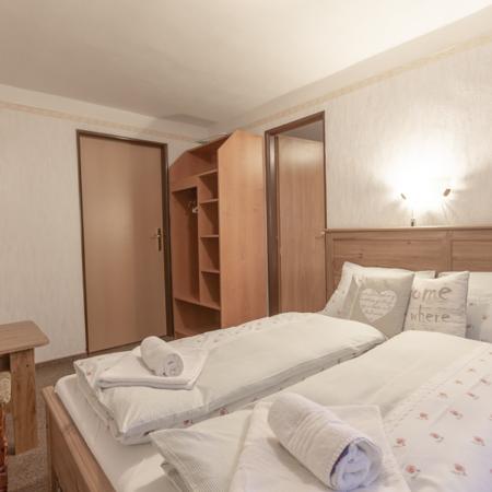čtyřlůžák, dvoulůžák, dvoulůžkový pokoj kuchyňský kout, ubytování v soukromí